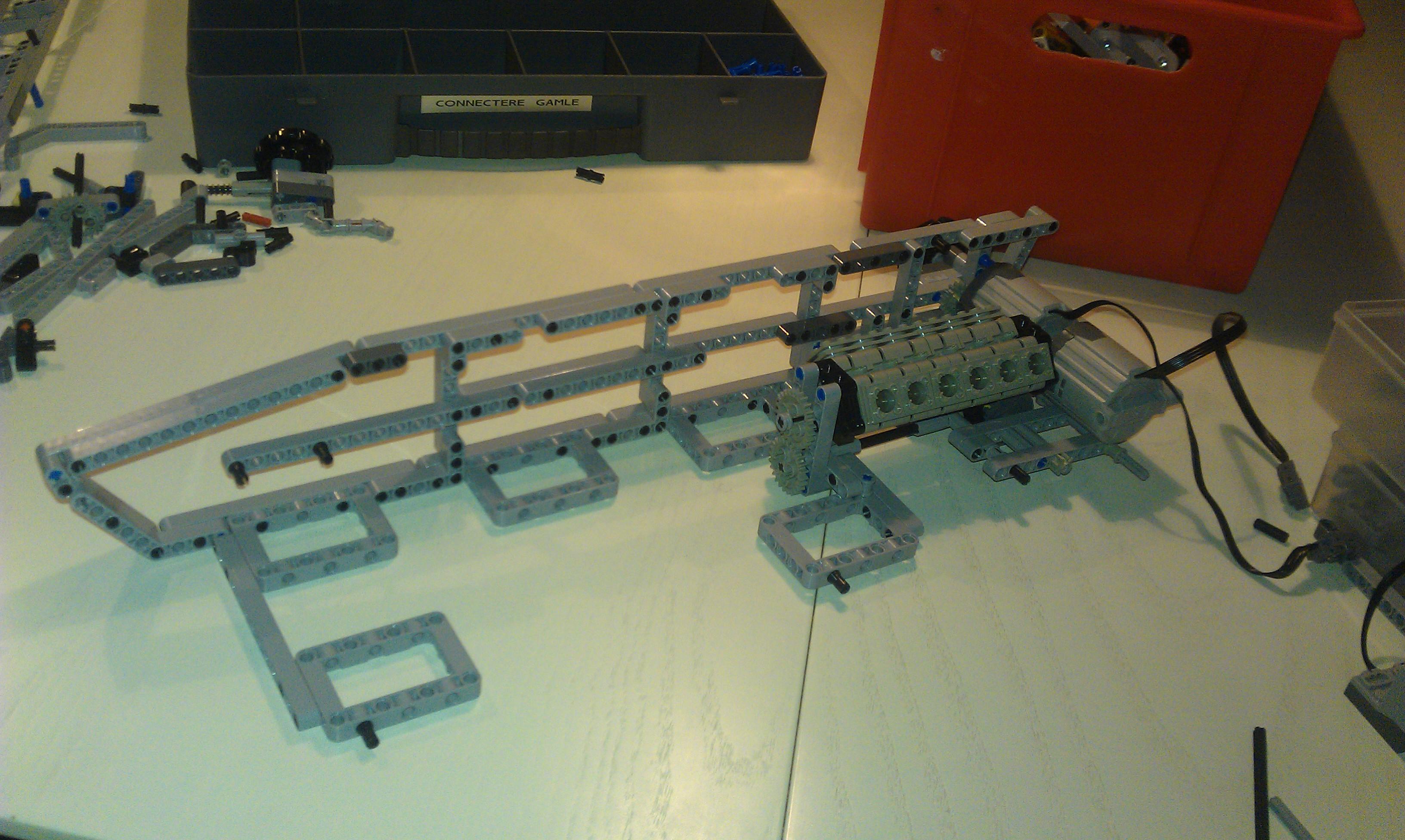 Lego_leo2_003